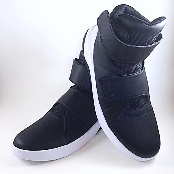 6292bff564a0d9 Men s Nike Marxman Basketball Shoes Size 8